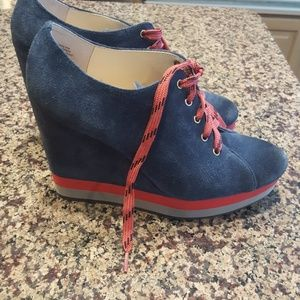 Boutique9 wedge shoes